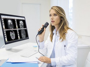 csm_lfh3500_philips-speechmike-dictation-microphone_female-physician-at-desk_1632_eaf58004cf